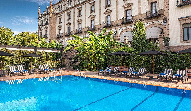 Hotel_Alfonso_XIII-swimming-pool