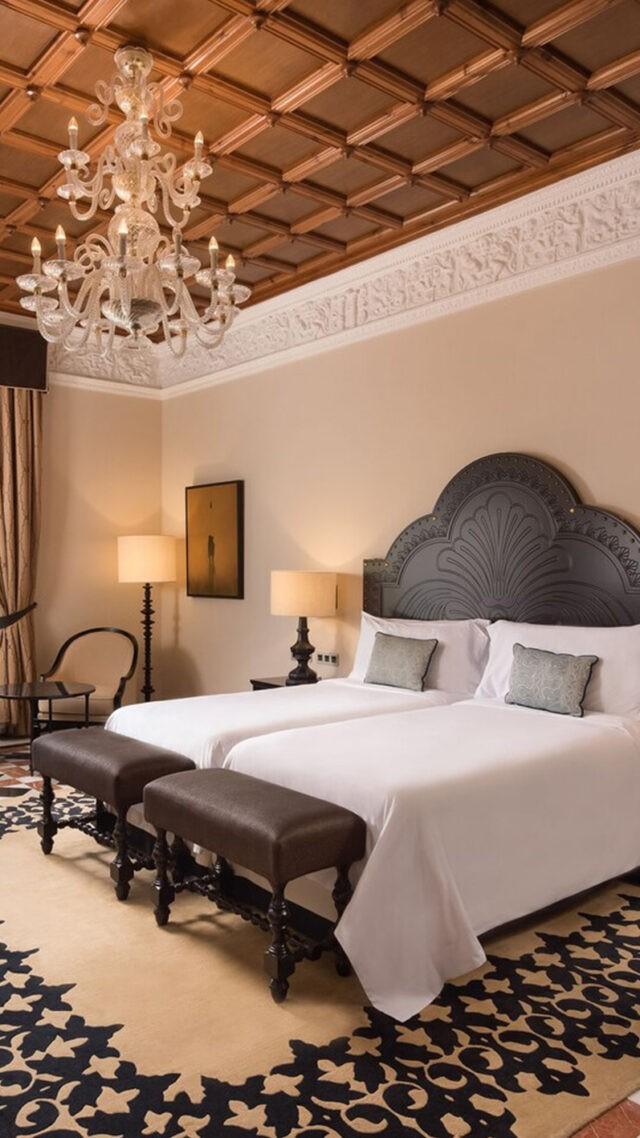 Hotel_Alfonso_XIII-twin-graddeluxe-guestroom-mobile