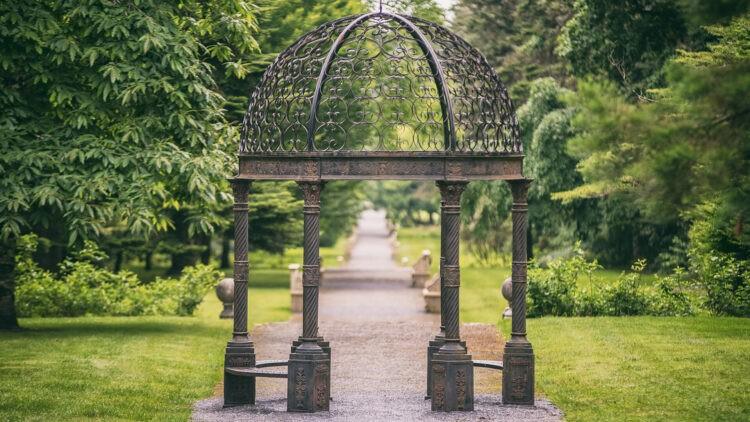 ashford-castle-gardens-path-green