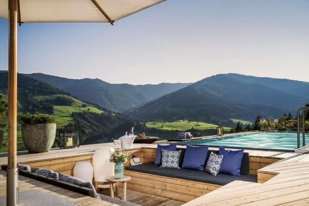 Senhoog_Bergwärtsgeist-infinity-pool