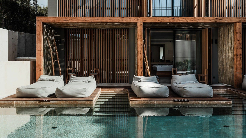 oku_ibiza_swim_up_rooms
