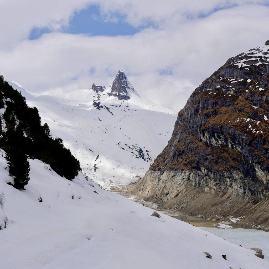 1_hotels_in_heaven_location_mountain