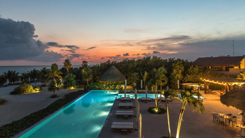 Chablé_Maroma-beach-pool-evening