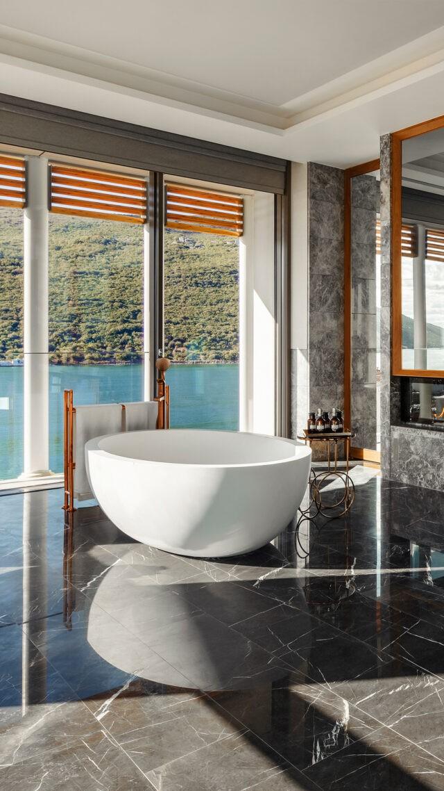 OO_Portonovi_SuiteOne_Bathroom_mobile