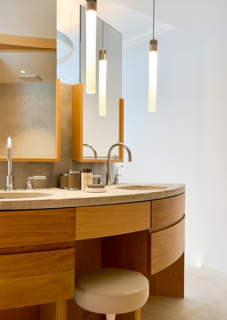 hotels_in_heaven_7132_accommodation_spa_suite_bath_2