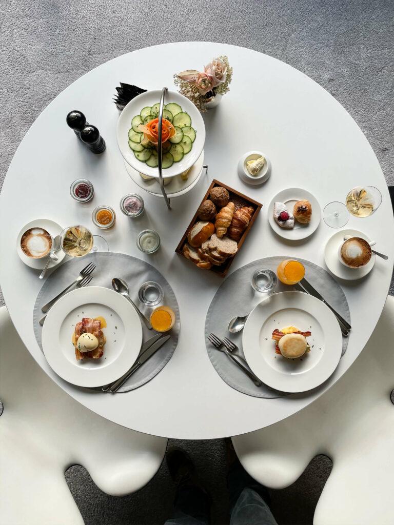 hotels_in_heaven_7132_culinary_silver_breakfast