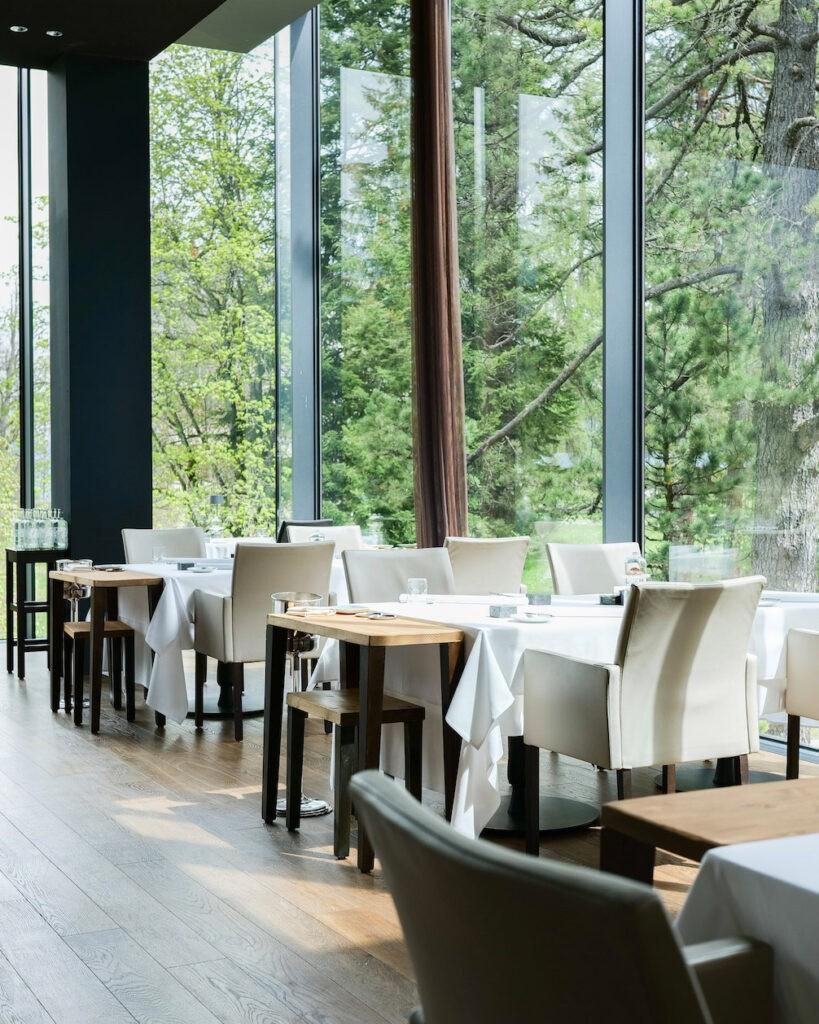 hotels_in_heaven_epoca_restaurant_waldhaus_flims