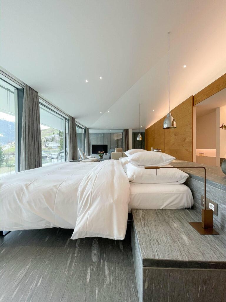 hotels_in_heaven_kuma_penthouse