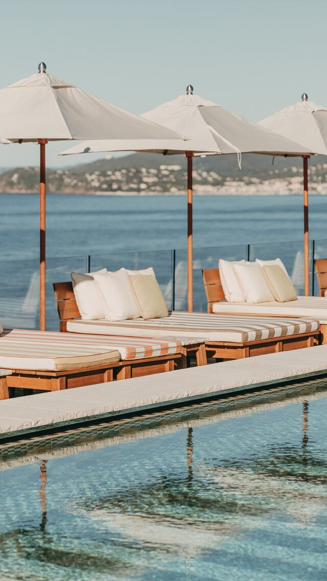 lilyofthevalley-swimming-pool-loungers