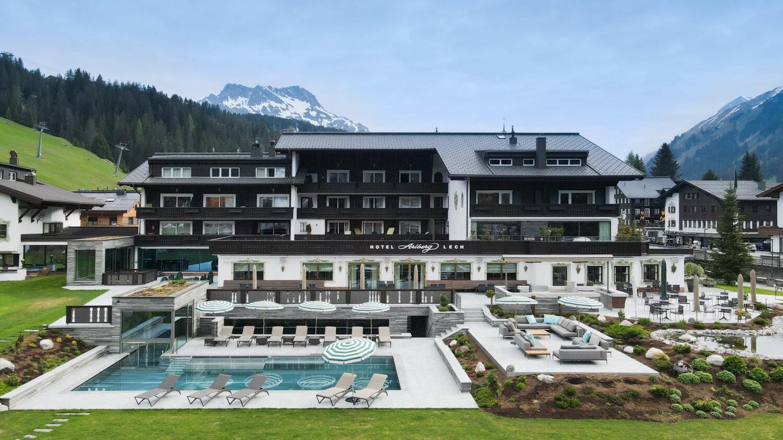 Hotel_arlberg_lech_outside_hotel_hotels_in_heaven