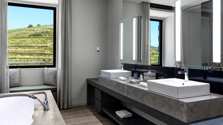 Six_Senses_Douro_Valley-Quinta_courtyard_suite_bathroom