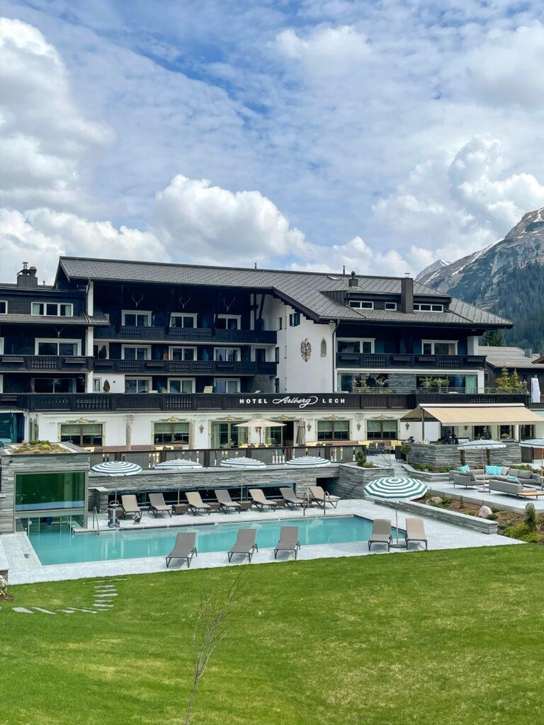 hotel_arlberg_lech_outside_side_view_building_hotels_in_heaven