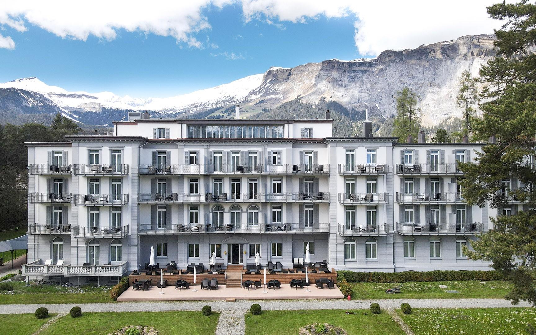 hotels_in_heaven_flims_building_waldhaus