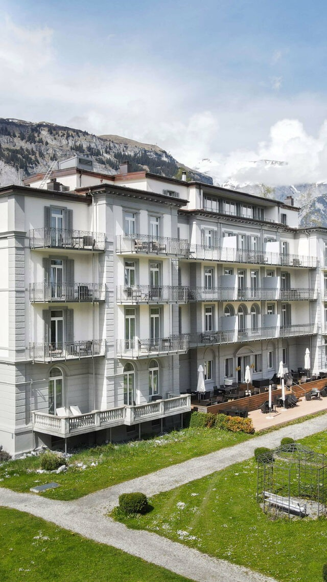 hotels_in_heaven_waldhaus_front_view