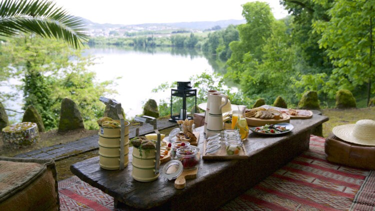 Six_Senses_Douro_Valley-Picnic_by_the_river
