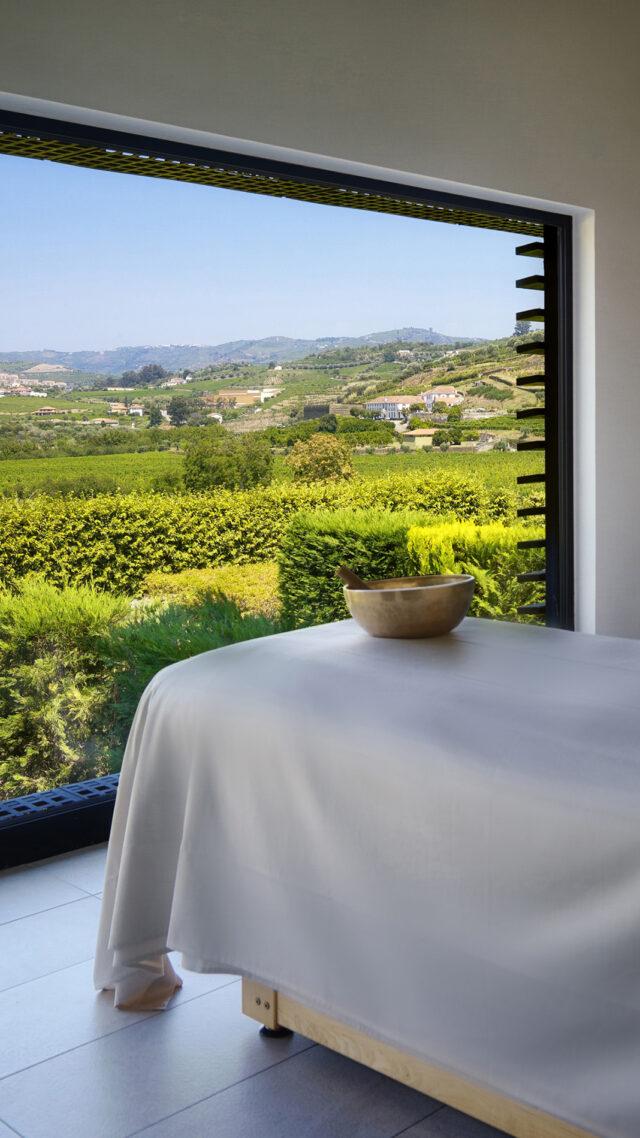 Six_Senses_Douro_Valley-Spa_treatment_mobile