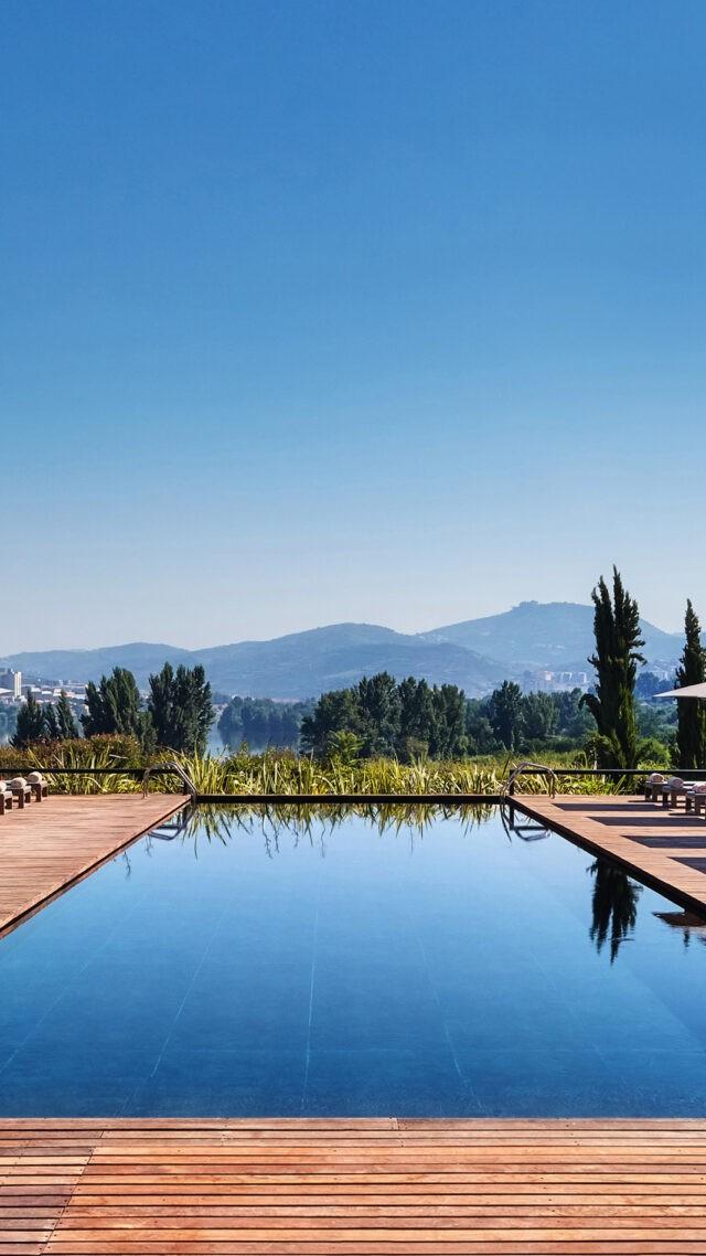 Six_Senses_Douro_Valley-Swimming_pool_mobile
