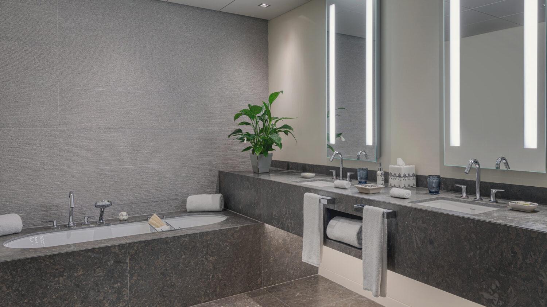 Six_Senses_Douro_Valley-Vineyard_garden_suite_bathroom