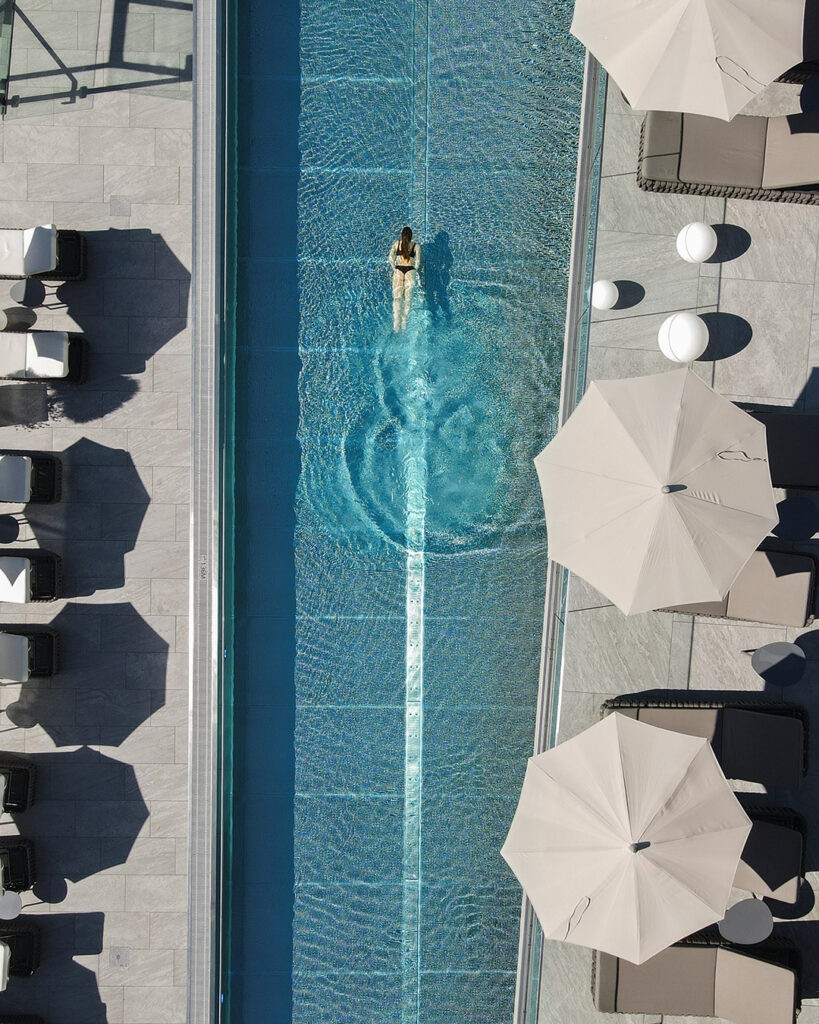 das_edelweiss-salzburg_mountain_resort_pool_from_above