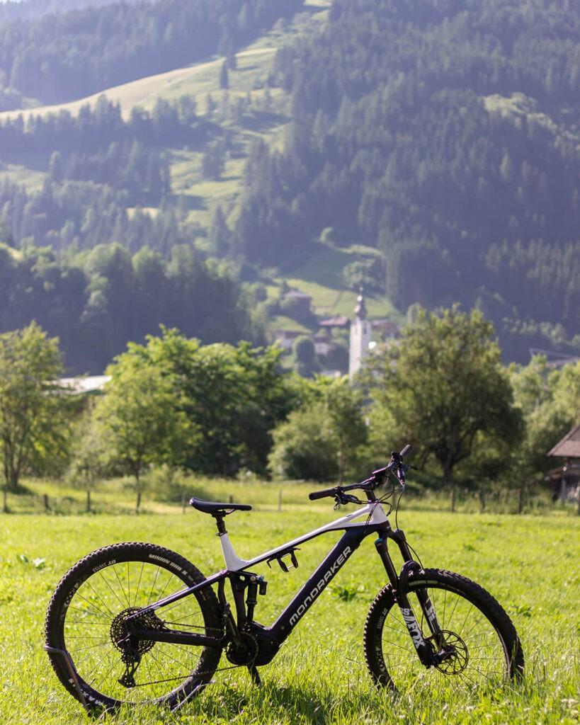 das_edelweiss_salzburg_mountain_resort_bike_1