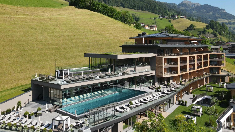 das_edelweiss_salzburg_mountain_resort_header_location