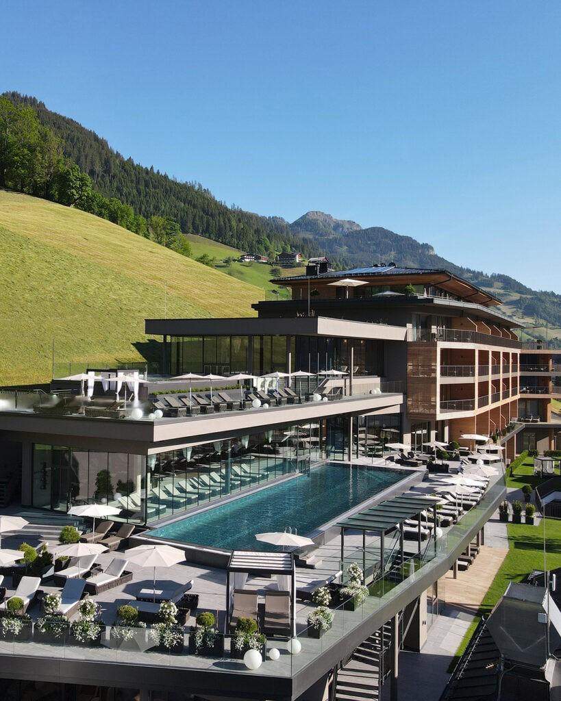 das_edelweiss_salzburg_mountain_resort_location_building_