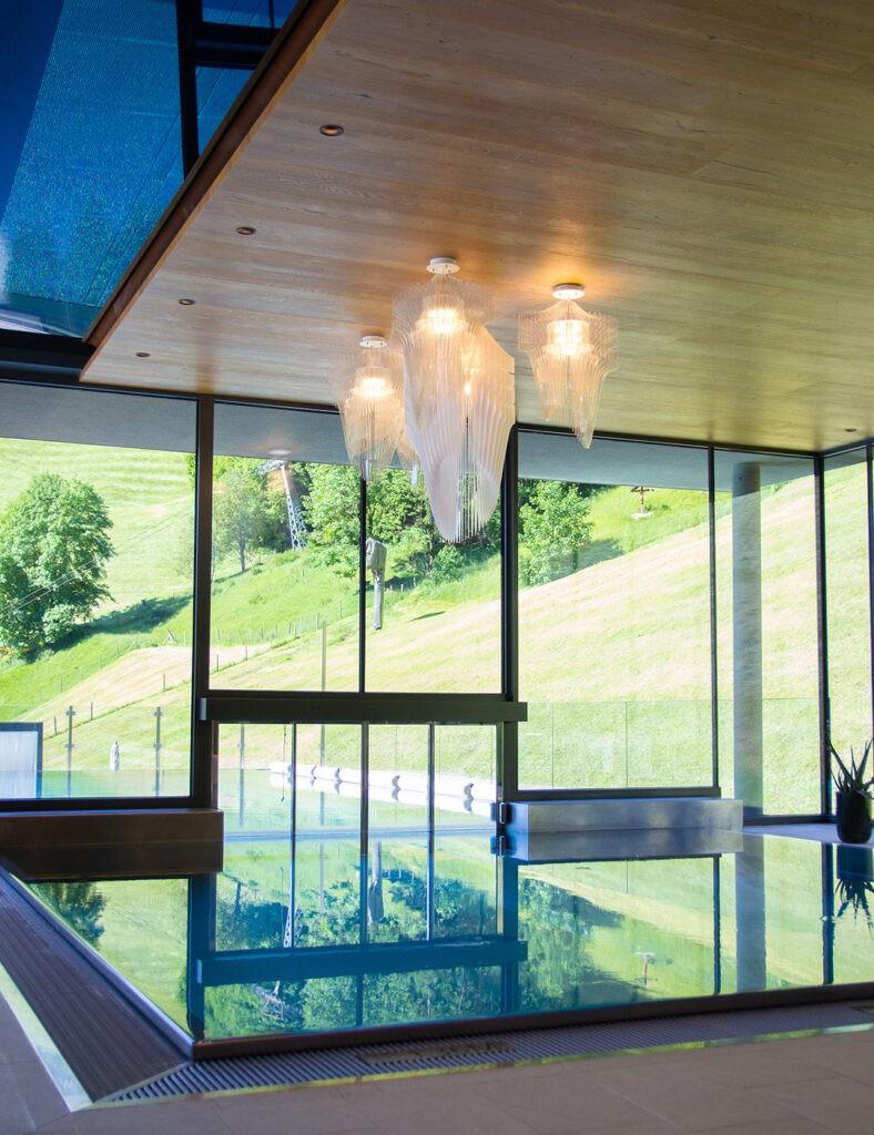 das_edelweiss_salzburg_mountain_resort_pool_infinity