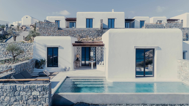 kalesma_mykonos_suites_outside_building_venue
