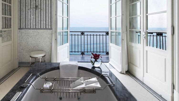 JkCapri_bathtub-view