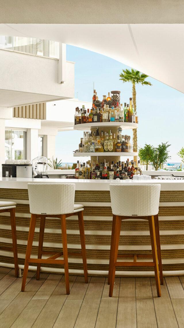 Nobu-Hotel-Ibiza-Bay_Bar-mobile
