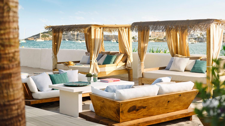 Nobu-Hotel-Ibiza-Bay_Family-pool-cabana