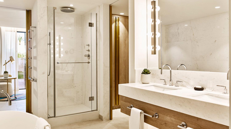 Nobu-Hotel-Ibiza-Bay_Junior-Suite-bathroom