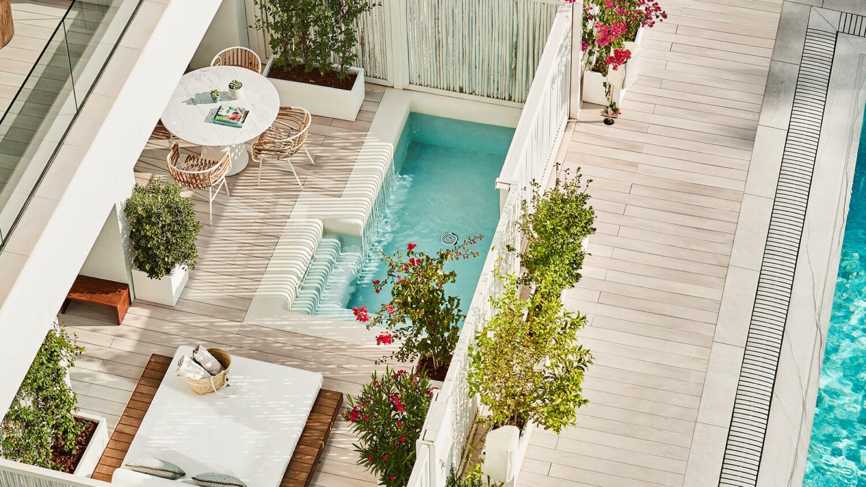 Nobu-Hotel-Ibiza-Bay_Junior-Suite-pool