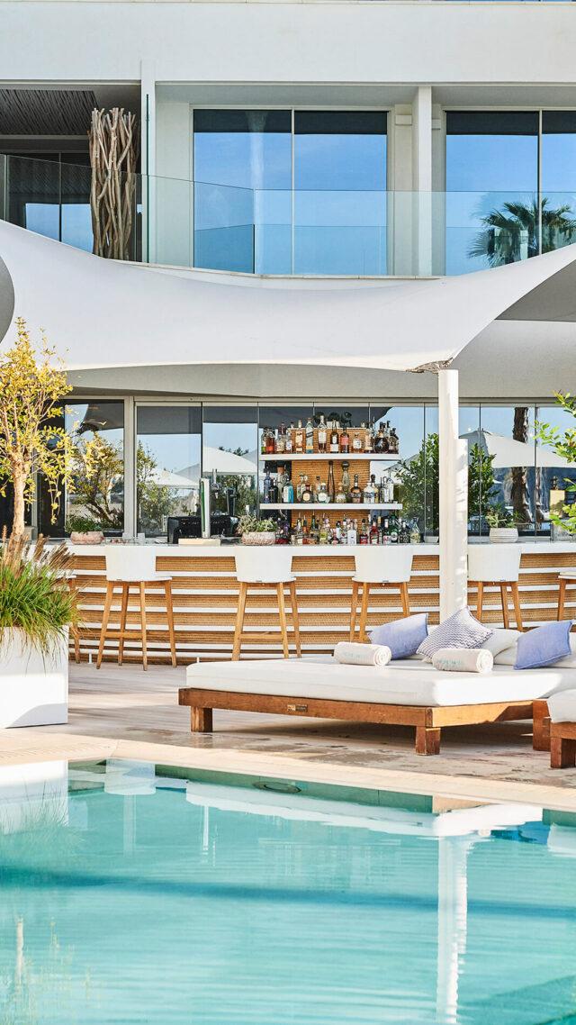 Nobu-Hotel-Ibiza-Bay_Pol-Bar-mobile