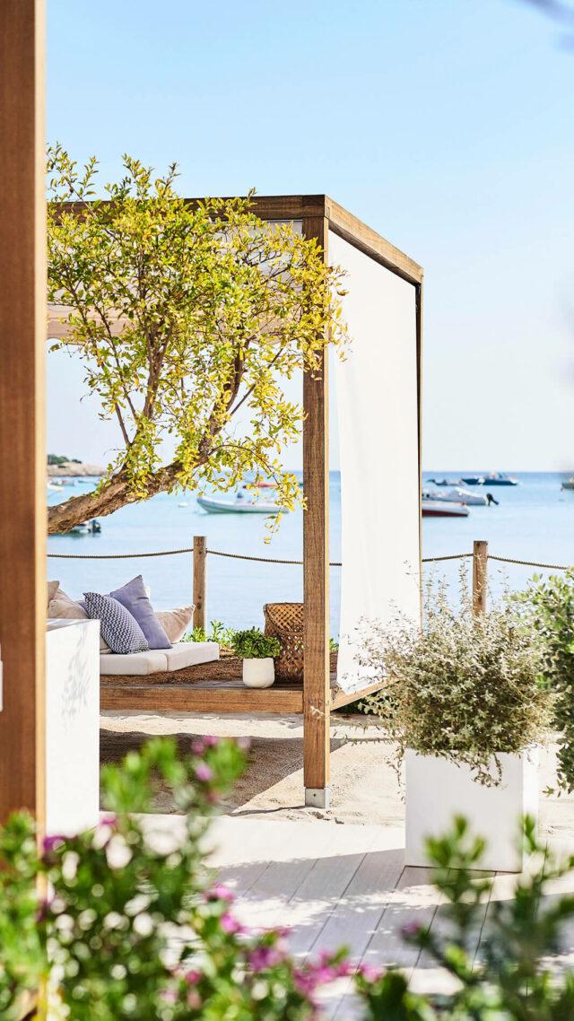 Nobu-Hotel-Ibiza-Bay_Spa-cabana-mobile