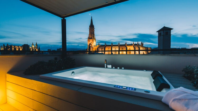 Sant-Francesc-Hotel-Singular_Jacuzzi