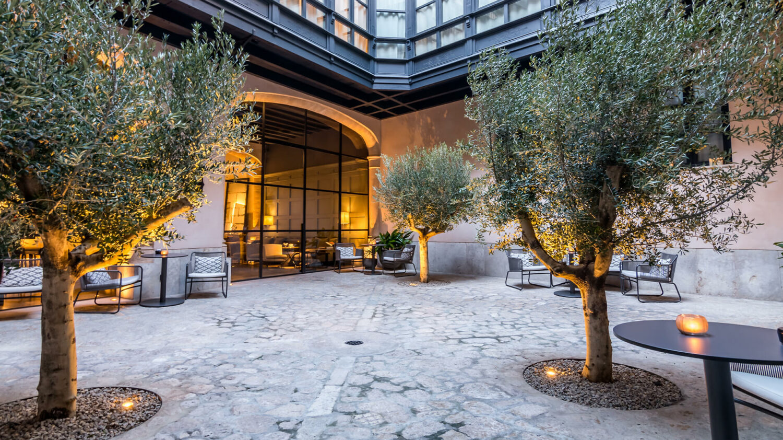 Sant-Francesc-Hotel-Singular_Patio