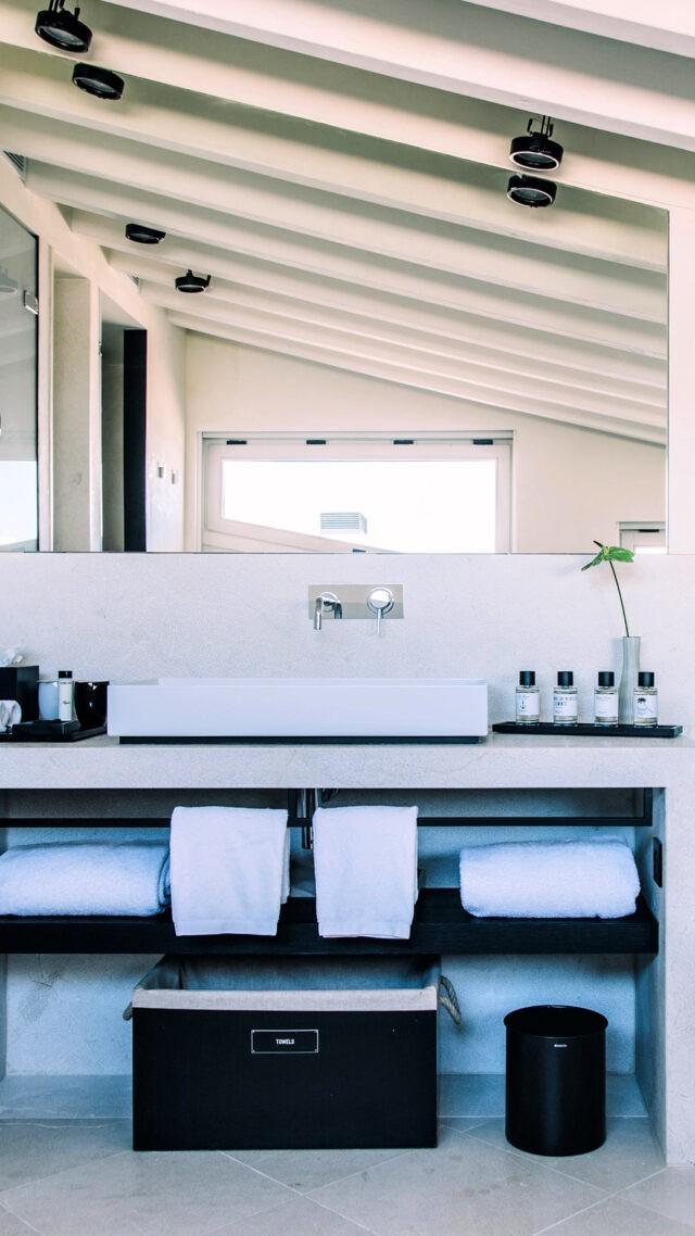 Sant-Francesc-Hotel-Singular_bathroom-mobile
