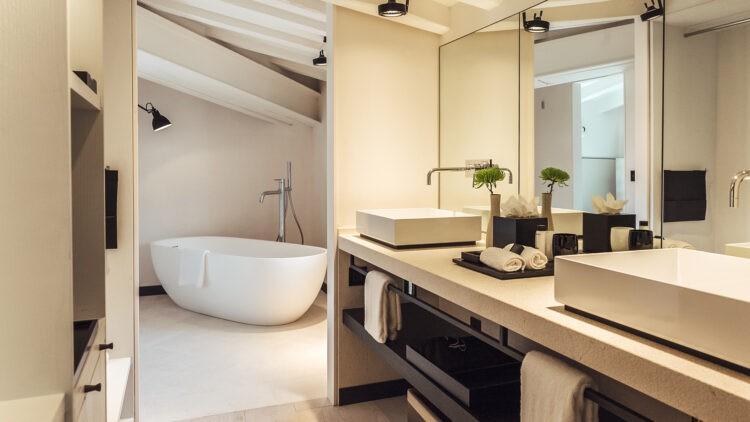 Sant-Francesc-Hotel-Singular_bathtub
