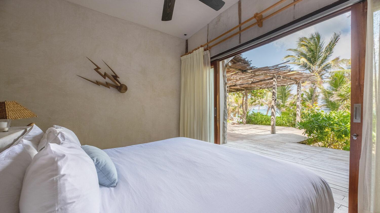 La-Valise-Tulum_Lower-Beachfront-Room-view