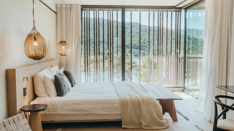 MaslinaResort_Premium-Bay-Room