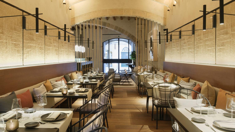 can_ferrereta_restaurant_area_table_design