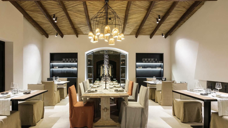 can_ferrerta_restaurant_dinner_evening_tables